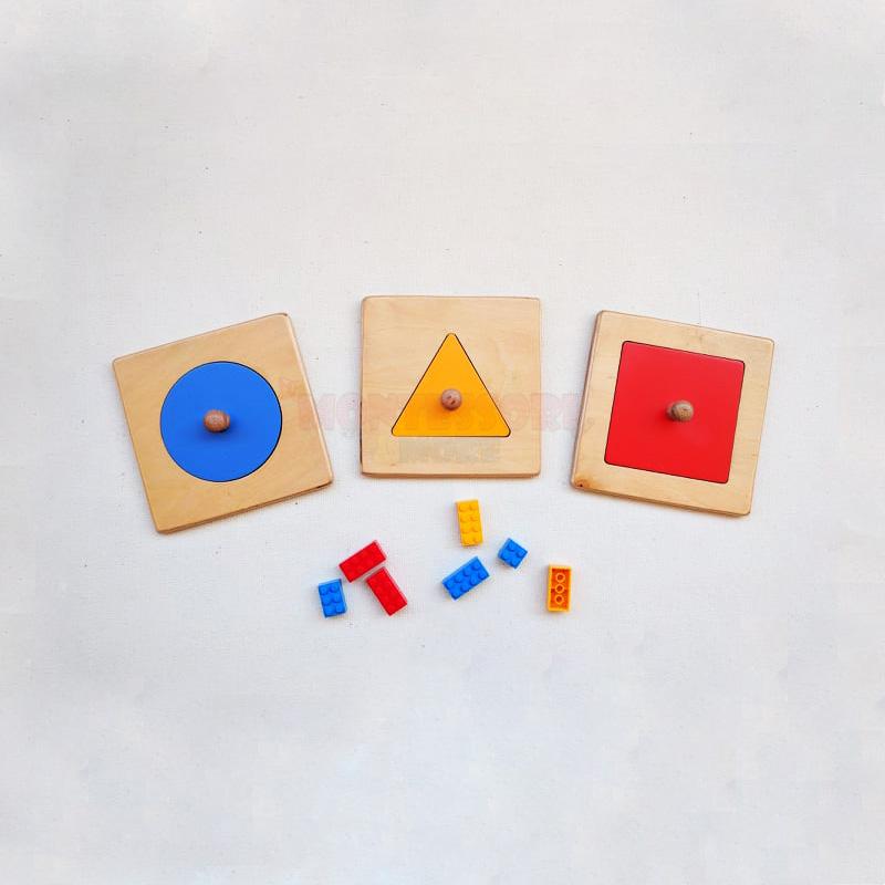 single Montessori geometric shapes puzzle set
